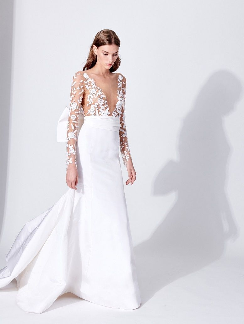 Oscar de la Renta Bridal Spring 2019 Collection - wedding dress embellishment wedding gown #weddingdress #weddinggown #weddingdresses