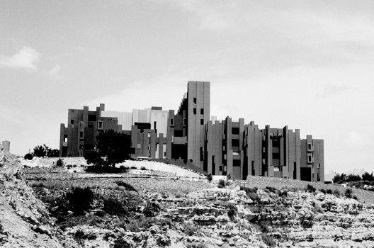 Clásicos de Arquitectura: La Muralla Roja / Ricardo Bofill Taller de Arquitectura