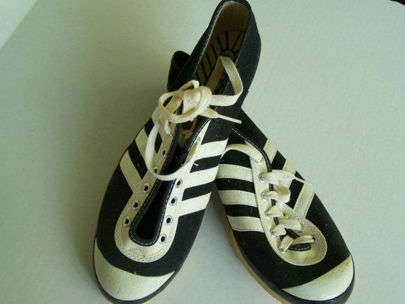 Track King track shoes vintage 3-striped 1970s new old stock, men's size 9.5