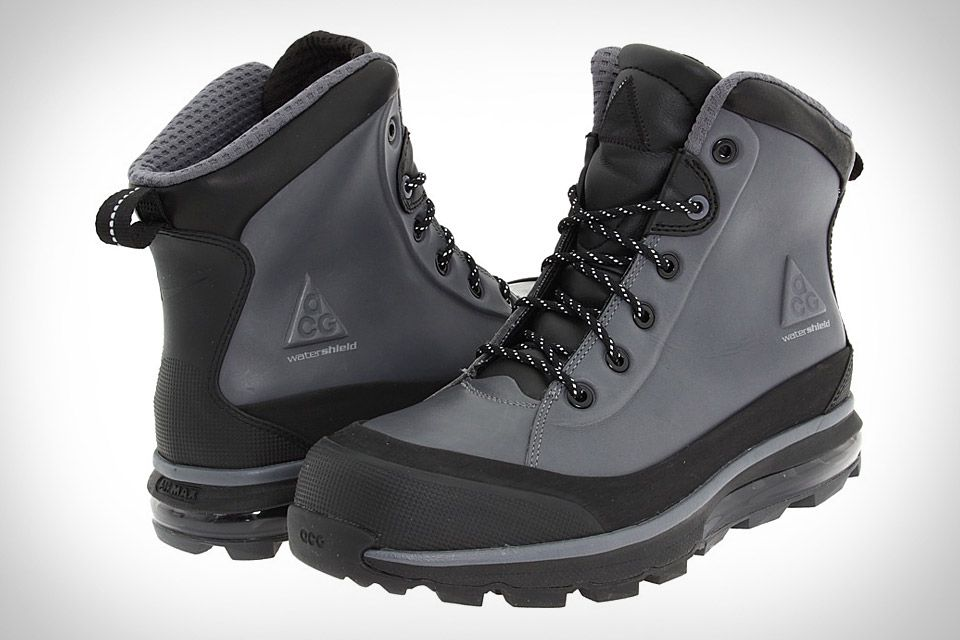 pretty nice dcf2d 3f134 Nike ACG Air Max Conquer Boot. Sporting a leather upper with WaterShield  waterproofing.