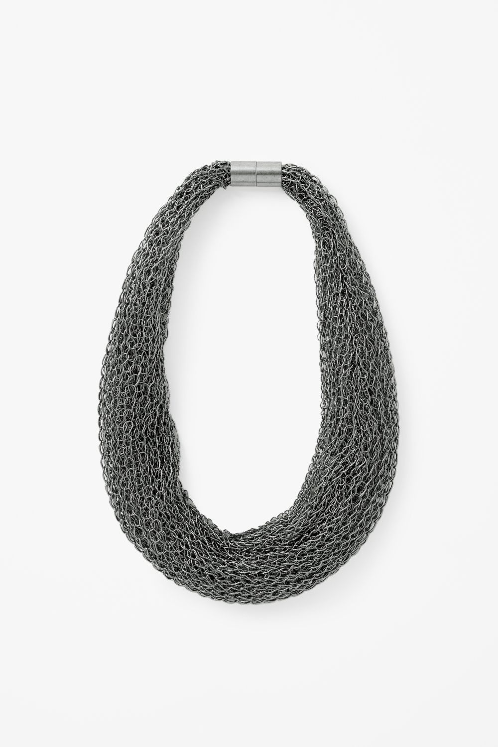 soft chainmail necklace from cos