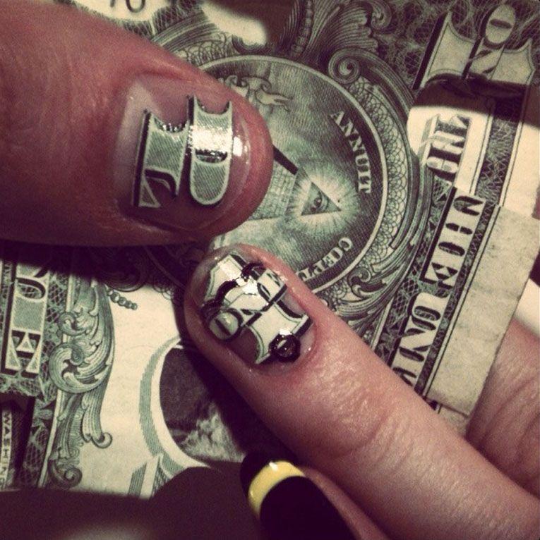 Yo Gotta Hundred Dollar Bill Put Your Hands Up