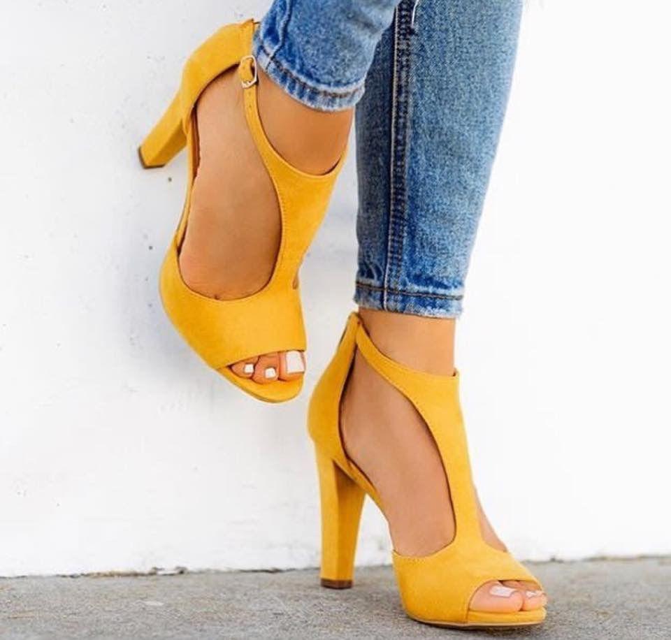 Pin de Mille em My Closet_Shoes | Sapatos fashion, Sapatos