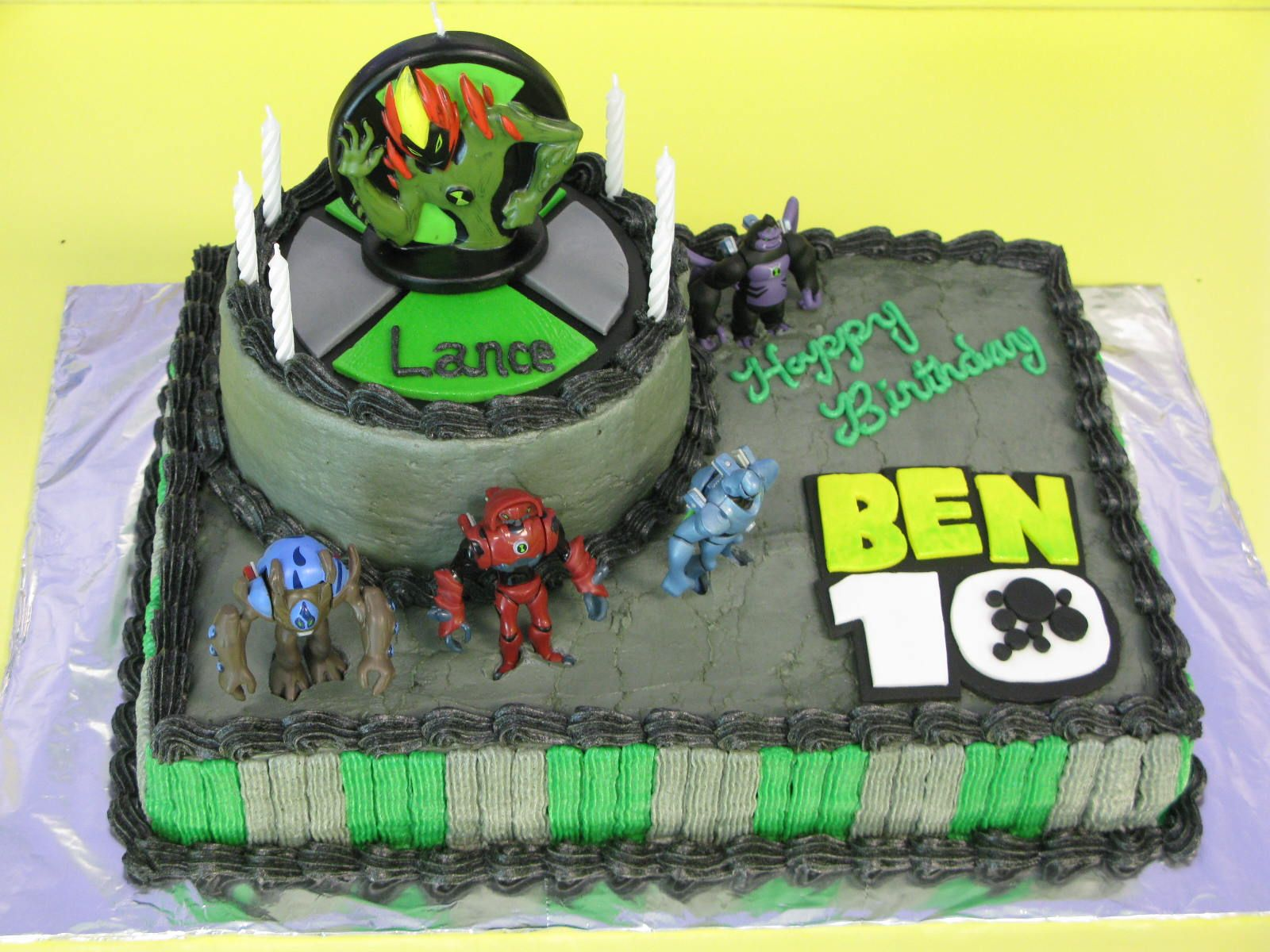 Ben10 Birthday Cake Two 6 Round Layers Stacked On Top