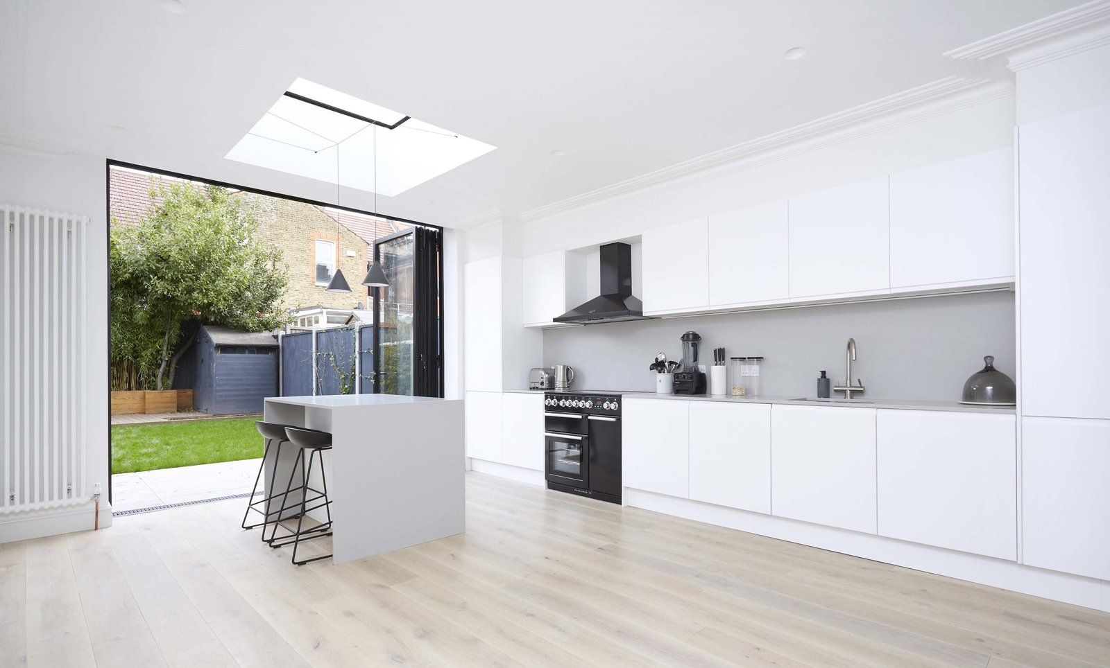 Sw House Modern Home In London England