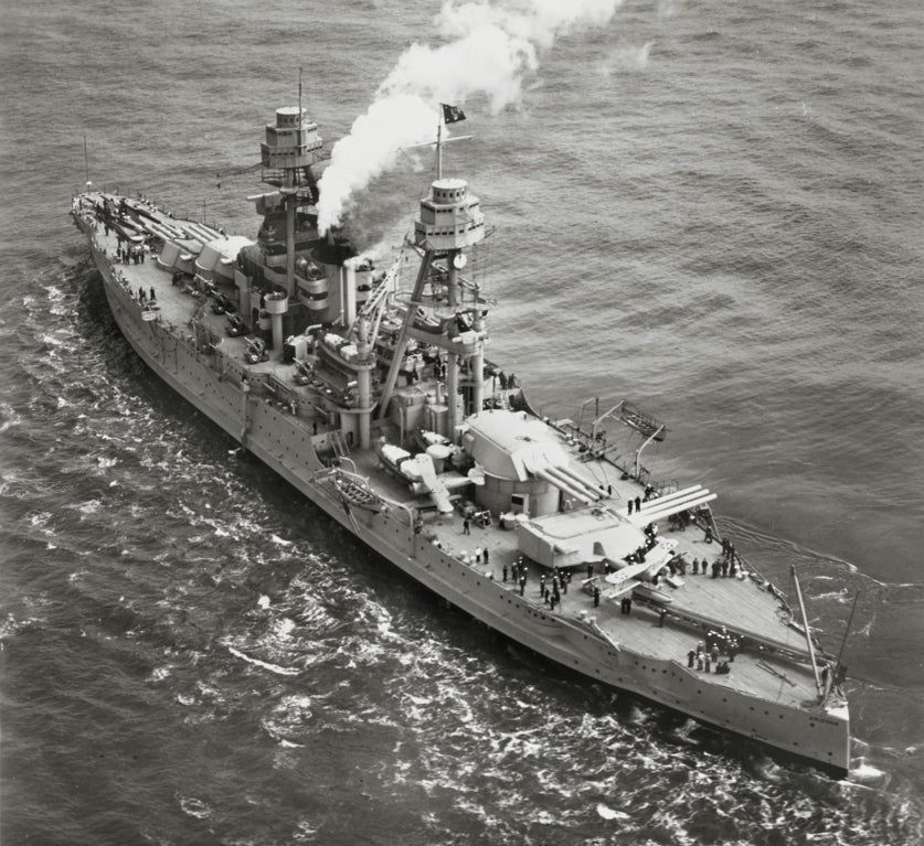 The Battleship Arizona With President Hoover On Board Returns From The West Indies Note The Presidents Flag On The Mainma In 2020 Uss Arizona Battleship Us Navy Ships