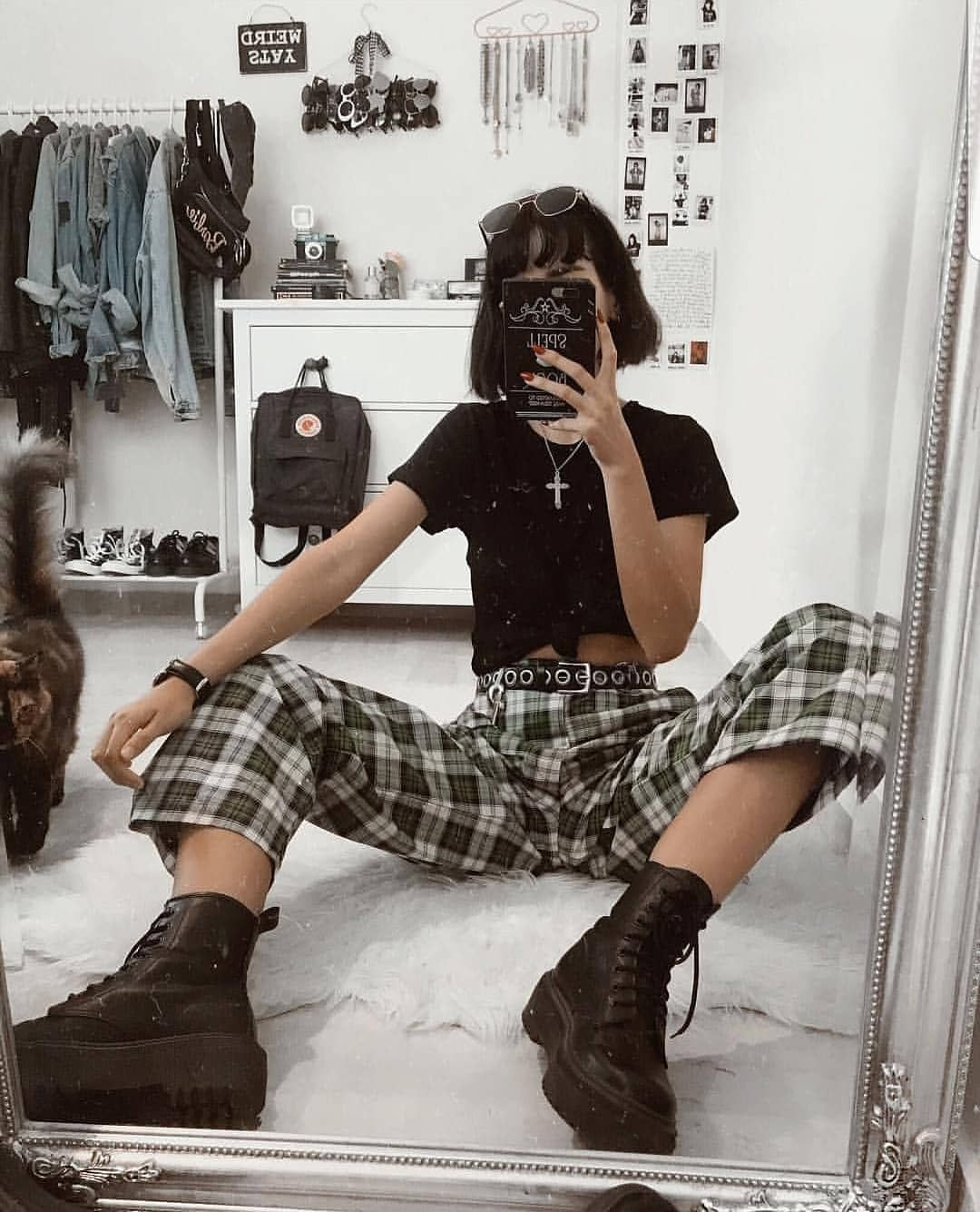 "grunge outfits on Instagram: ""happy happy × × #fashion #grunge #grungeaesthetic#grungefashion #grungeclothes#grungeaesthetic #90sfashion #aesthetic #tumblraesthetic…"""