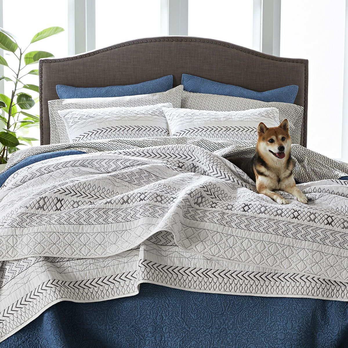 Better Homes Gardens Embroidered Stripe King Quilt Walmart Com In 2020 King Quilt Classic Bed Covers Bedroom Decor