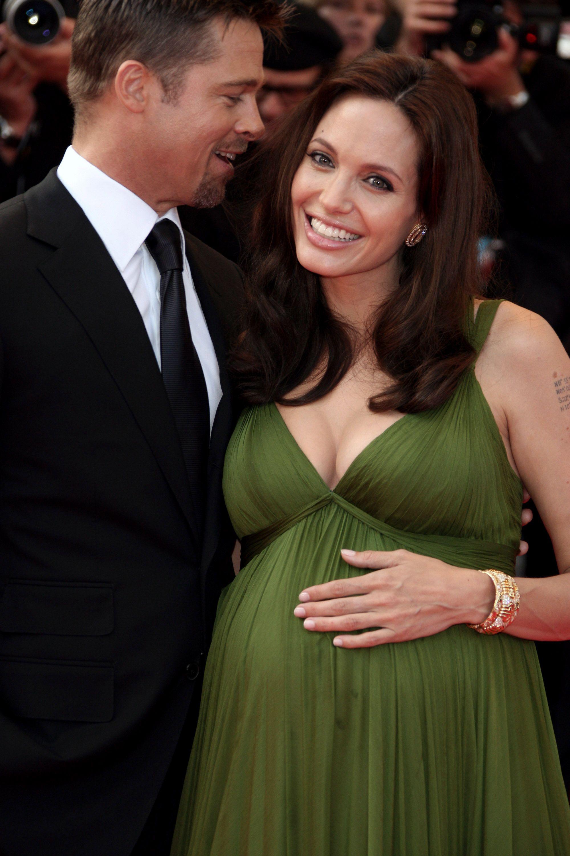 pregnant Angelina jolie