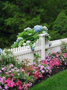 clôture de jardin en bois blanc | jardin | Pinterest | Planters