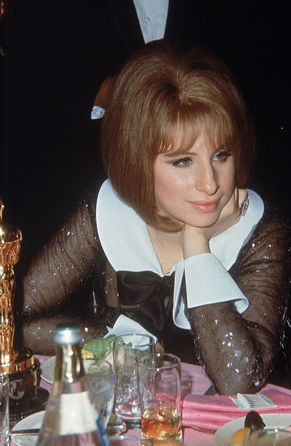 Best Funny Girl #TBT: Vintage Photos of Celebrities at Oscar Parties 1969: Barbra Streisand at a table with her Best Actress Oscar, awarded for Funny Girl. 9