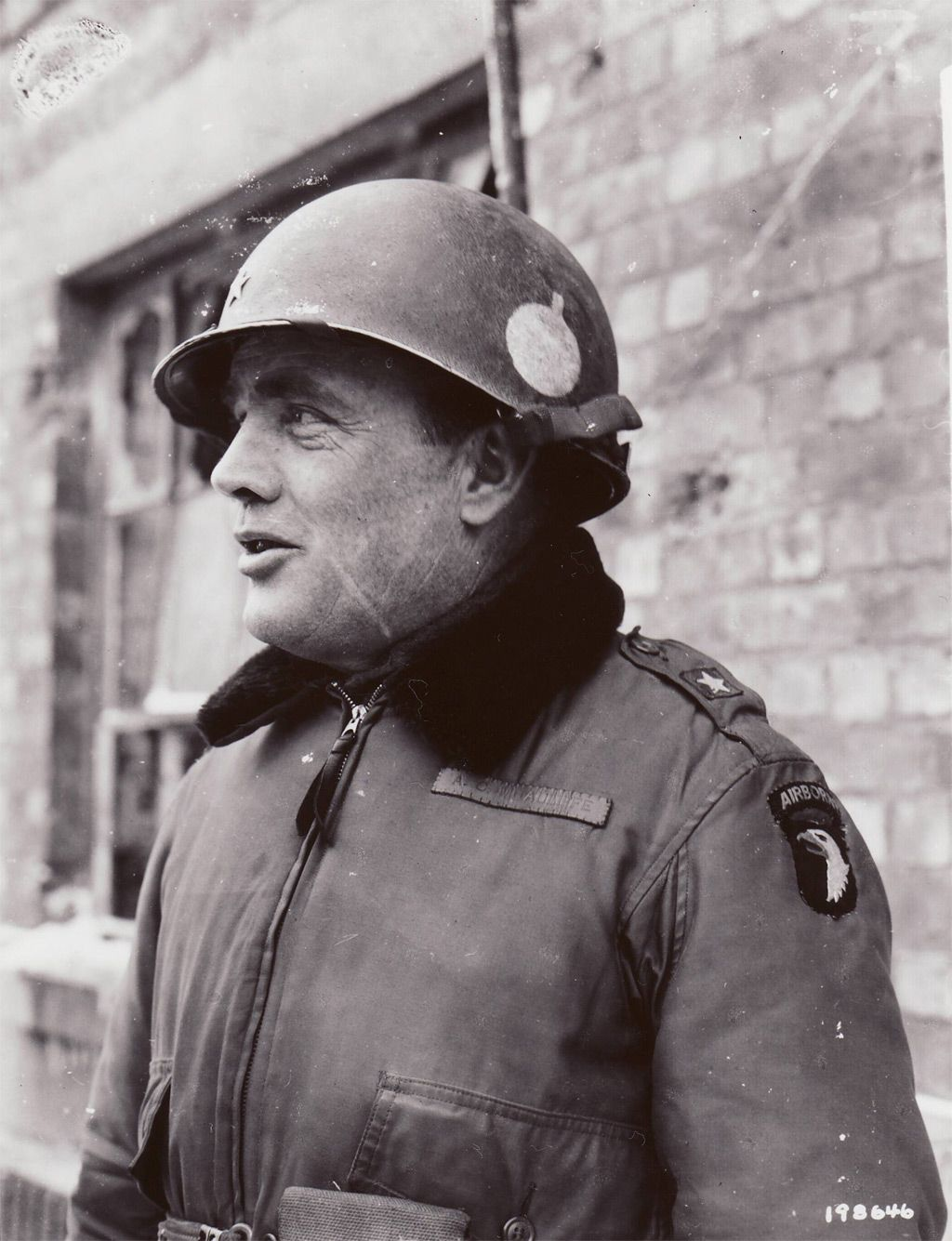 Command Of The 101st Airborne Division At Bastogne Fell To Brigadier General Anthony C Mcauliffe A Short Genial Artiller World War Ii World War Wwii History