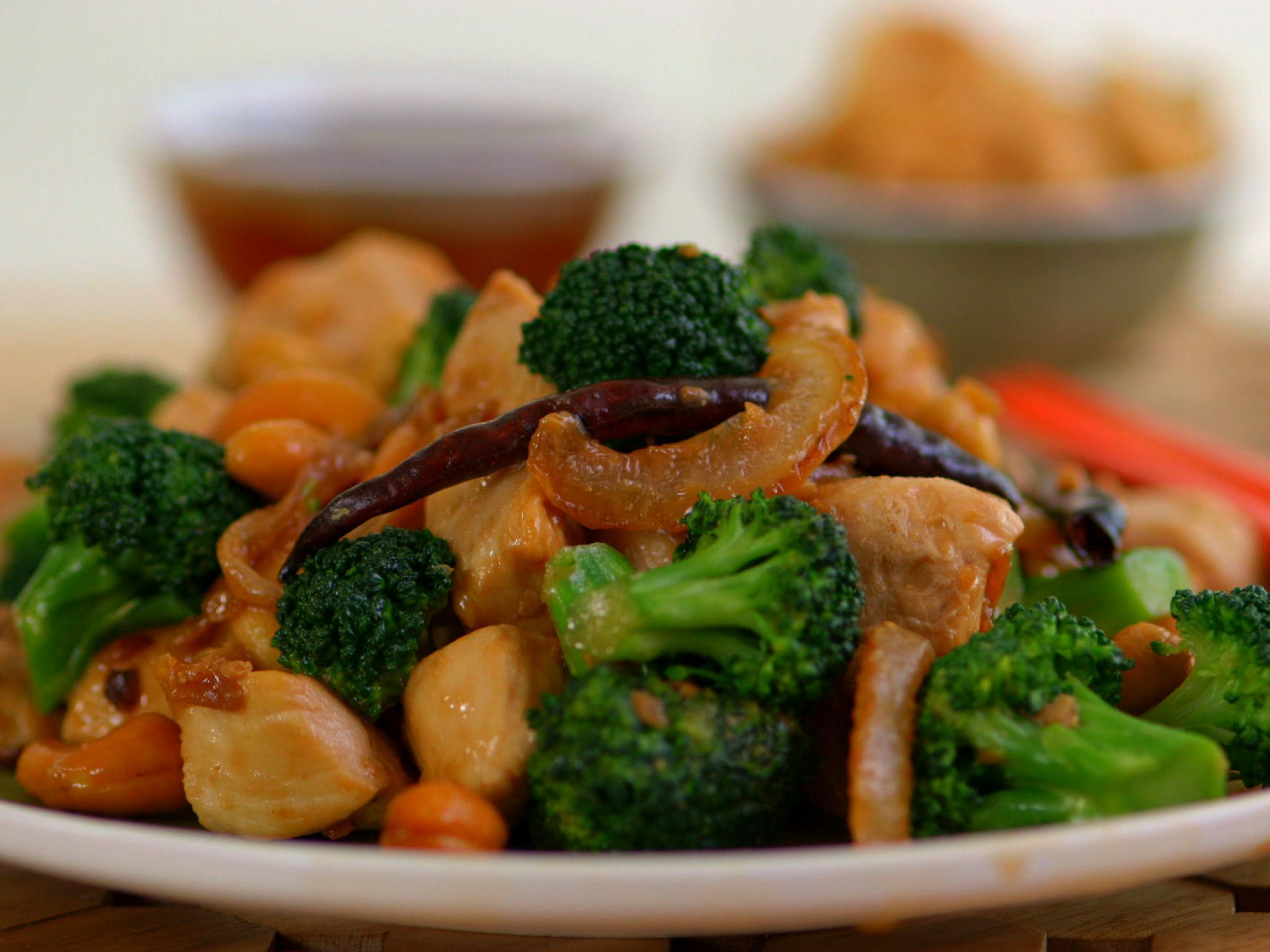 Paleo chinese chicken and broccoli recipe chinese chicken get this all star easy to follow paleo chinese chicken and broccoli forumfinder Image collections