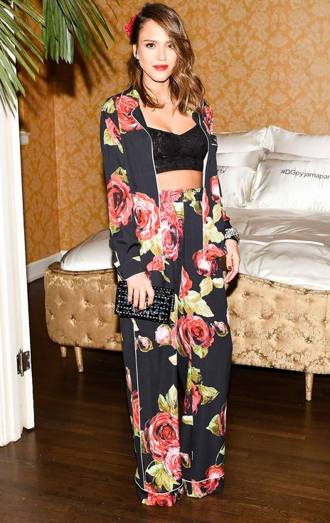 90d45494d9bb40 Jessica Alba in a rose-printed Dolce   Gabbana pajama set and black crop top