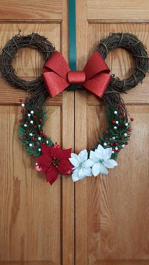 Minnie Mouse Wreath. Lighted Minnie Mouse wreath. Minnie wreath. Minnie Christmas. Disney Christmas. Minnie mouse. Mickey and minnie -   14 holiday Wreaths design ideas