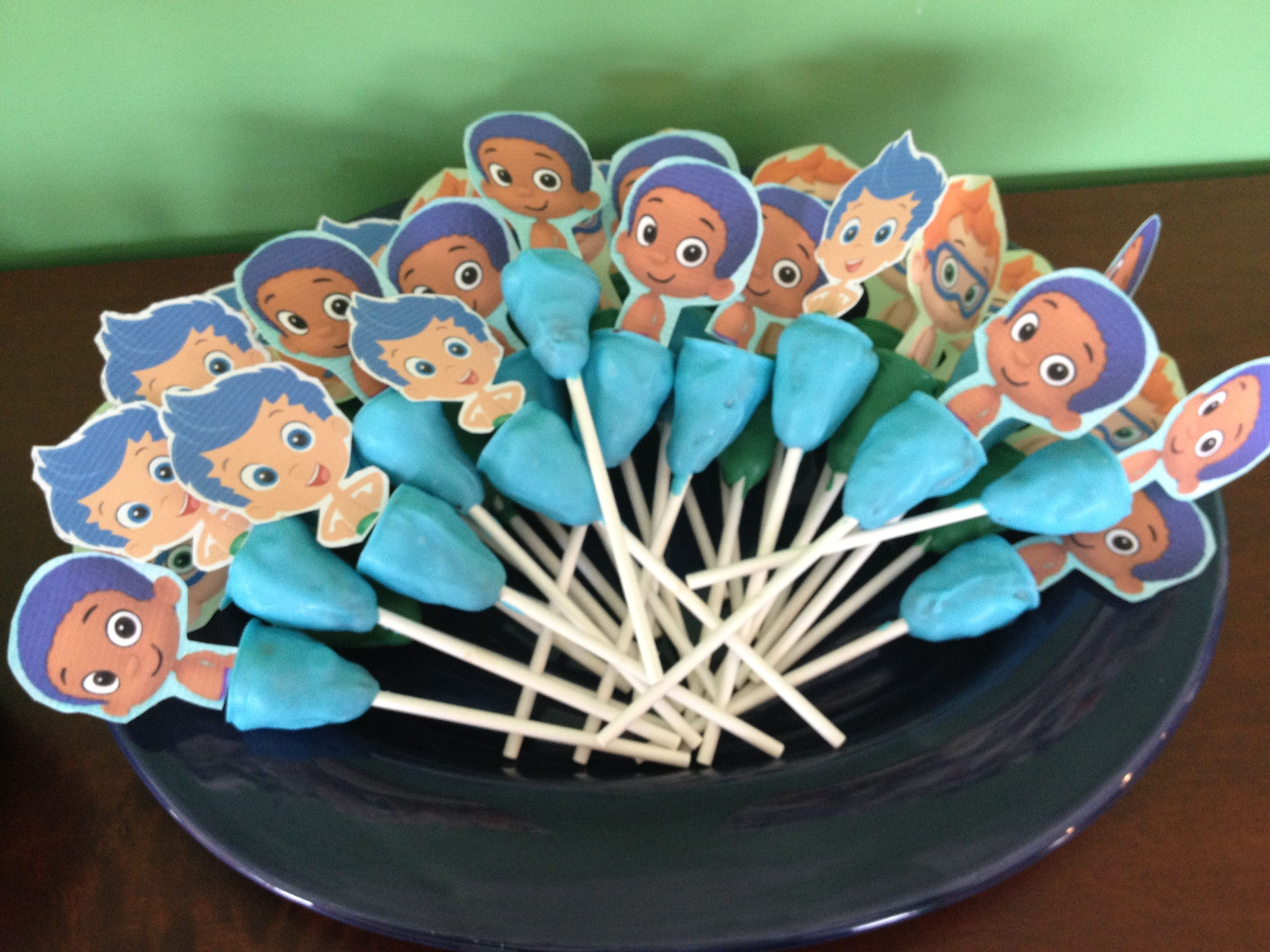 Bubble Guppies Cake Pop