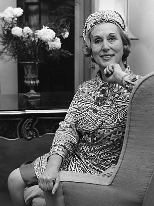 Estée Lauder (1908-2004) Born in Queens, N.Y., Estée Lauder got her start in beauty at an early age by helping her uncle, a chemist, mix creams and fragrances for his skincare business in their kitchen. In 1946, Lauder and her husband Joseph founded the Estée Lauder Co. with just four products. To make up for a small advertising budget, Lauder sold persistently, regularly giving free demonstrations at beauty salons and stopping women on Fifth Avenue to try her products. She also launched the…