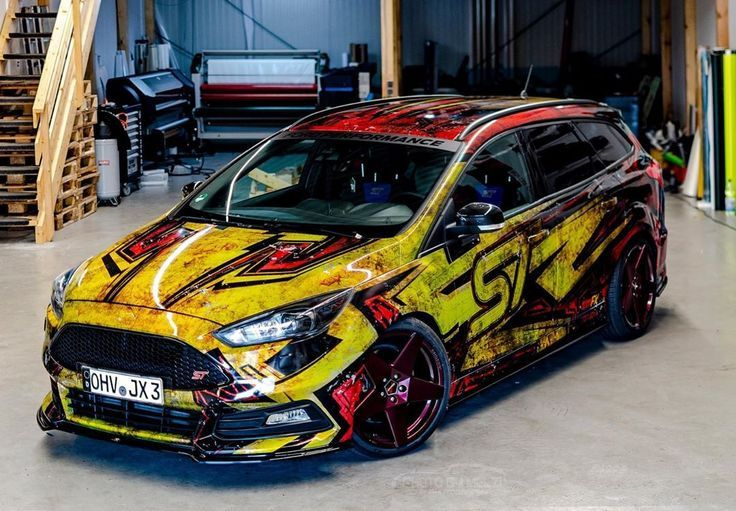 Ford Focus Turnier St Dynamische Linien Owne Carwrapping