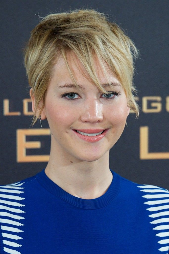 Jennifer Lawrence topped off her look with a messy cut during the 'Catching Fire' photocall in Madrid.