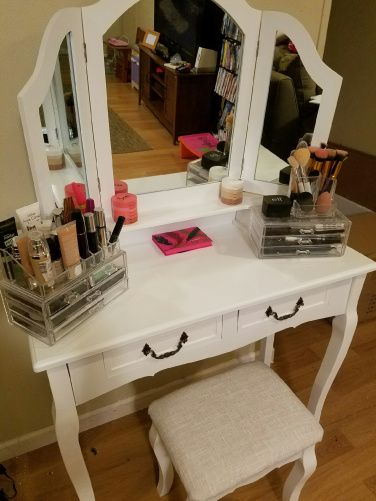 Mirrored Vanity Table And Stool: Tri-Mirror Vanity Table W/Stool From Best Choice Products