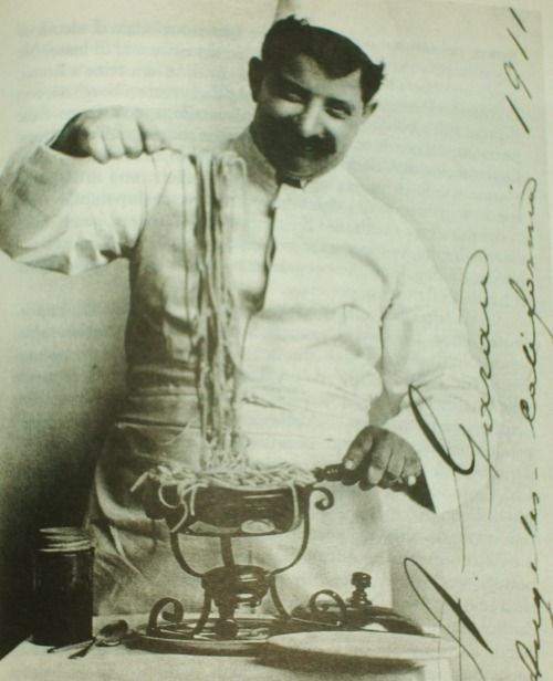 Italian chef emigrated to California, 1911 #TuscanyAgriturismoGiratola