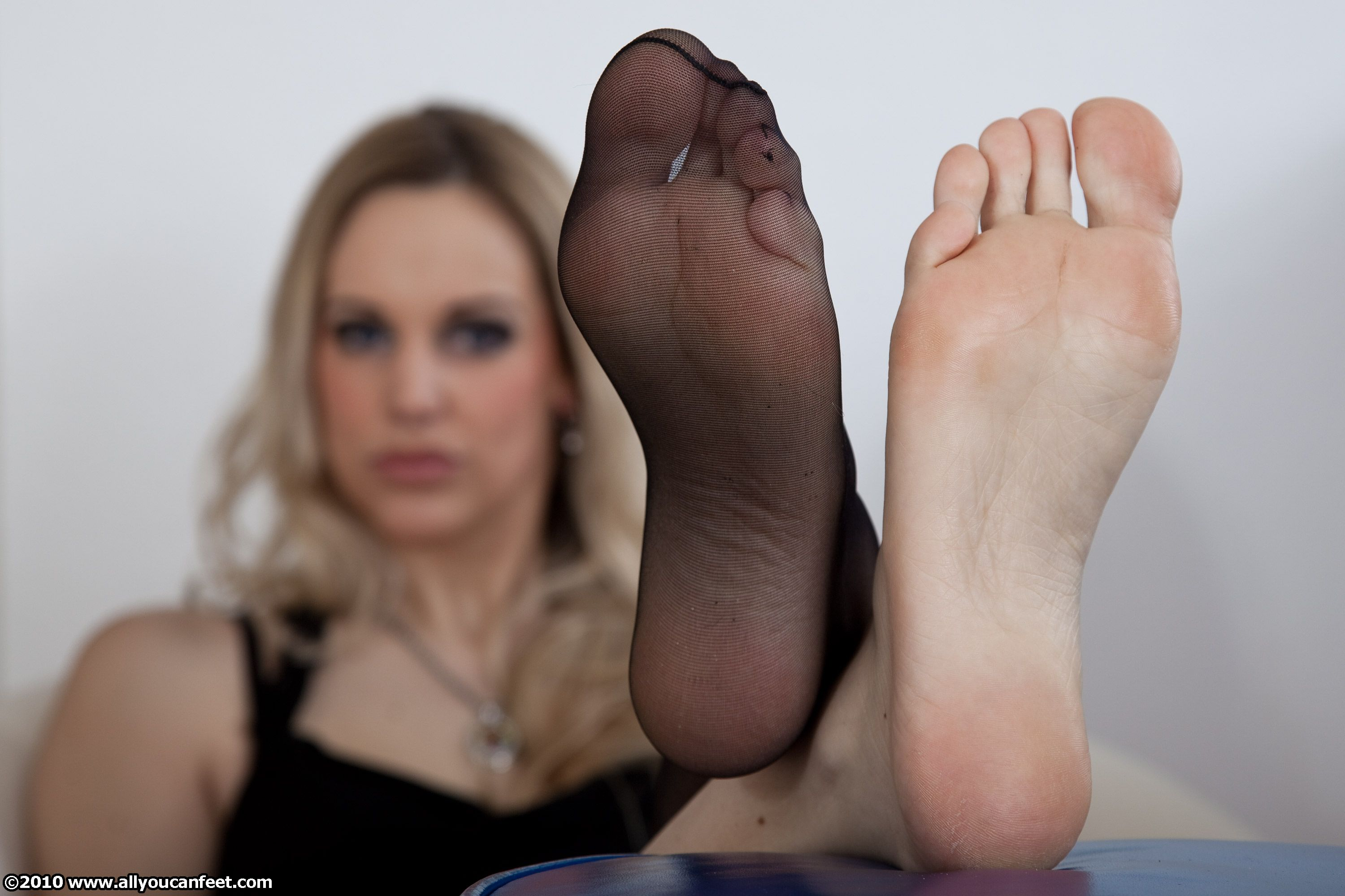 Sexy soles of milf from argentina