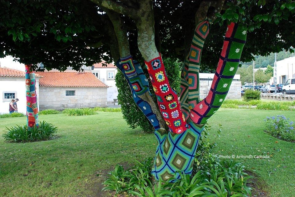 Vila Nova De Cerveira Is A Town Of The Arts This Endearing Town At The Alto Minho Region In Northern Portugal Is One Of The M Lovers Art Yarn Bombing Fine