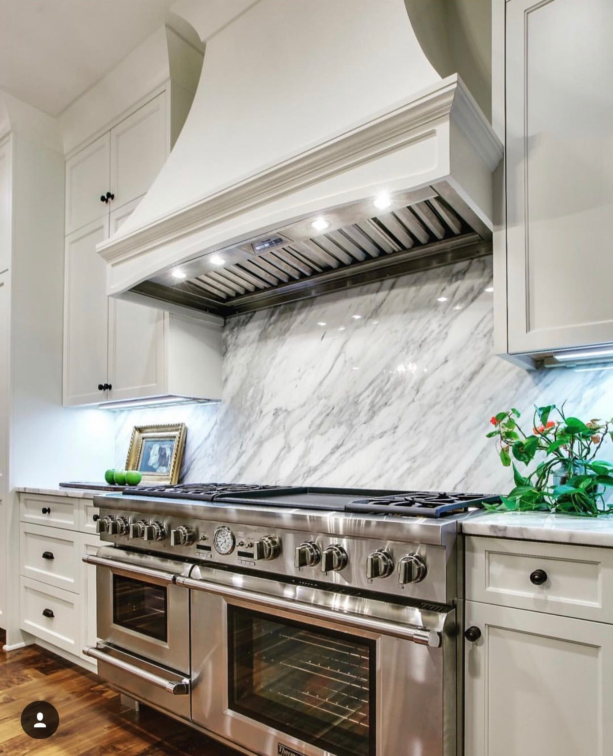 60 Thermador Steam Range And Calcutta Gold Marble Are A Great Combination Henrys Cabinets Created These Awesome C Kitchen Inspirations Kitchen Design Kitchen