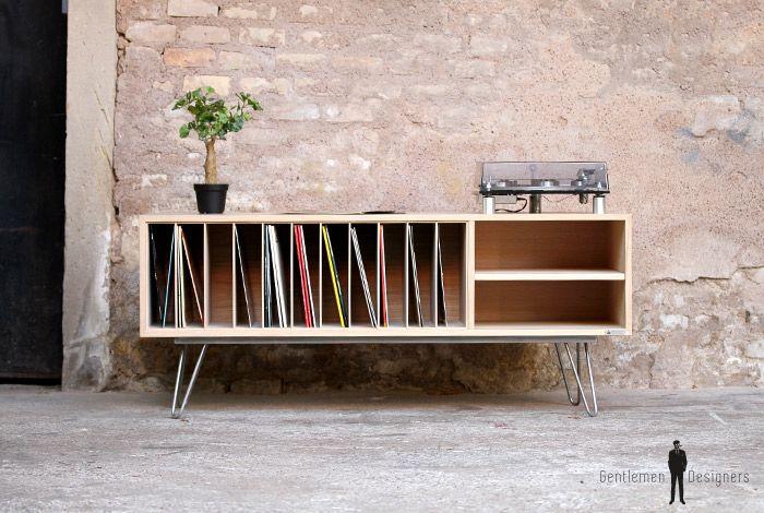 Meuble Vinyle En Chene Avec Des Pieds Epingles En Metal Meuble Vinyle Meuble Hifi Mobilier De Salon