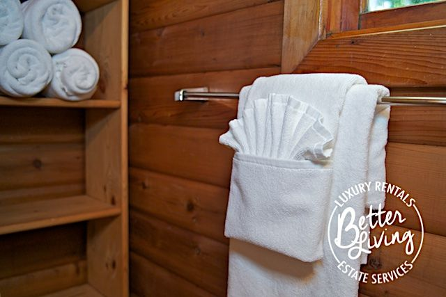 Pin By Laurie Burgos On Towel And Making Folding Pinterest