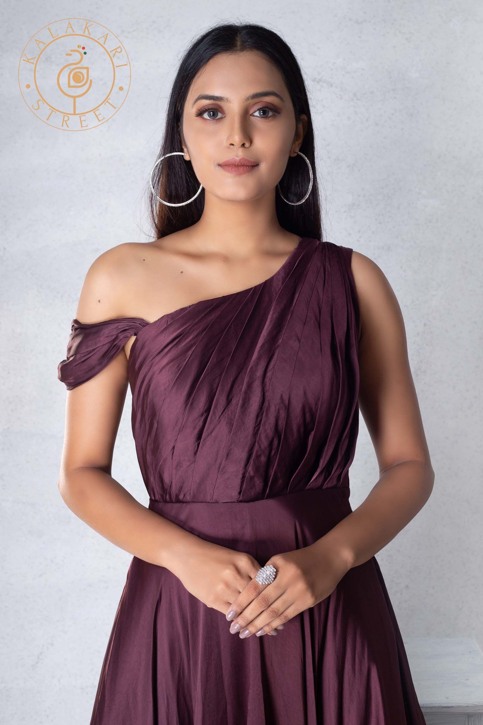 Wine Cocktail Dress By Kyra Chhabria On Kalakari Street Valentines Day Special Collection Cocktail Gowns Dresses For Larger Ladies Stylish Dresses [ 2400 x 1600 Pixel ]