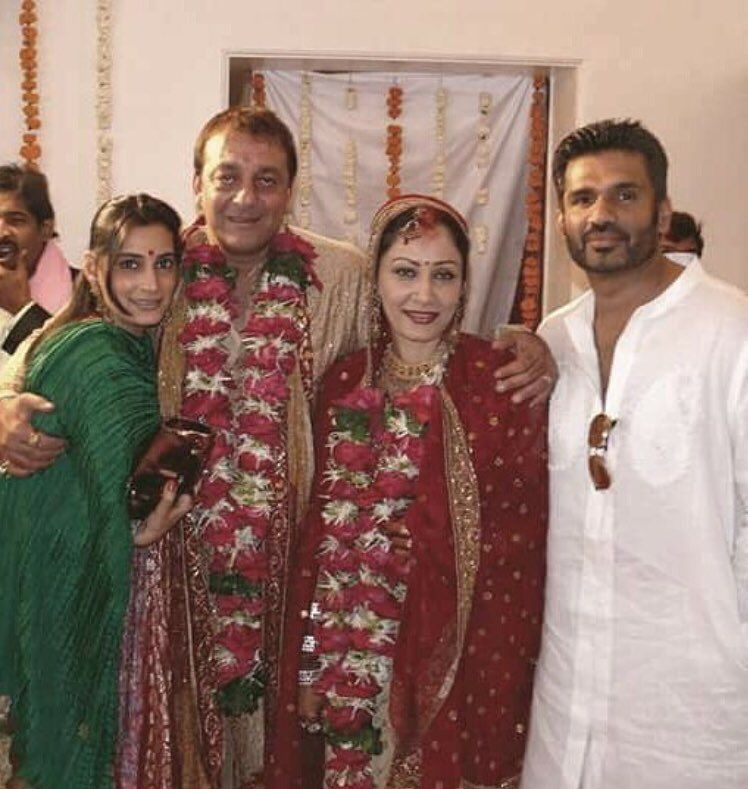 Sunielshetty With Wife Manashetty At Sanjaydutt Maanayatadutt S Wedding Indian Celebrities Vintage Bollywood Bollywood Wedding