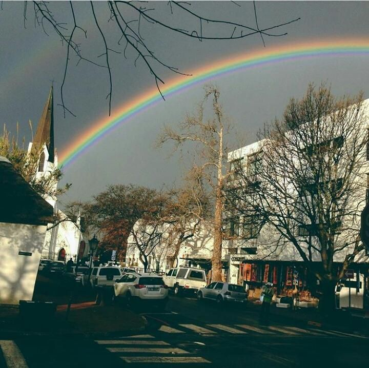 First day back in Cape Town and there's two rainbows from @Palesa http://rock.ly/kqjlx