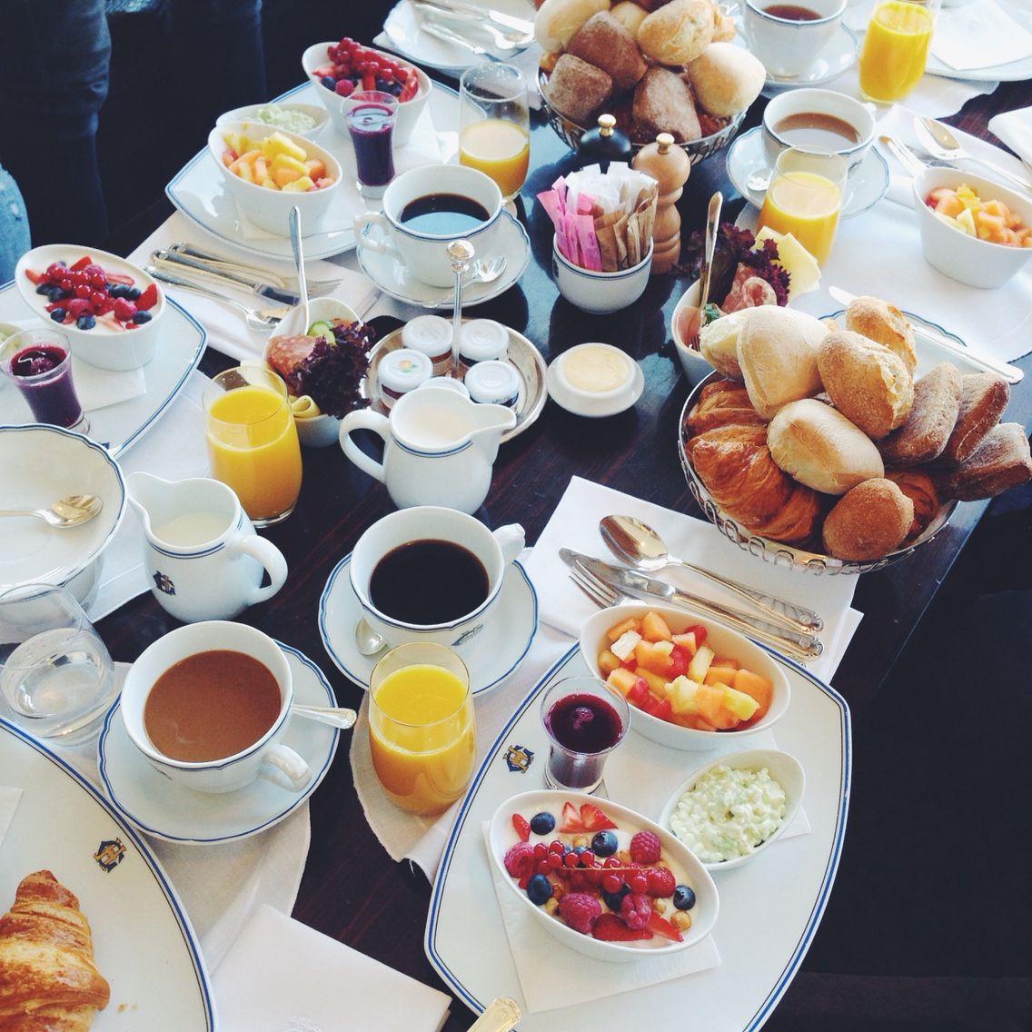 Breakfast in stockholm decoracion de mesas para desayuno - Mesas de desayuno ...