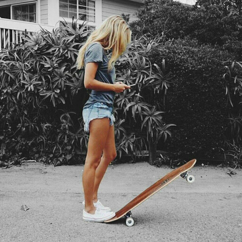 дальше блондинка со скейтом огромный член согласилась