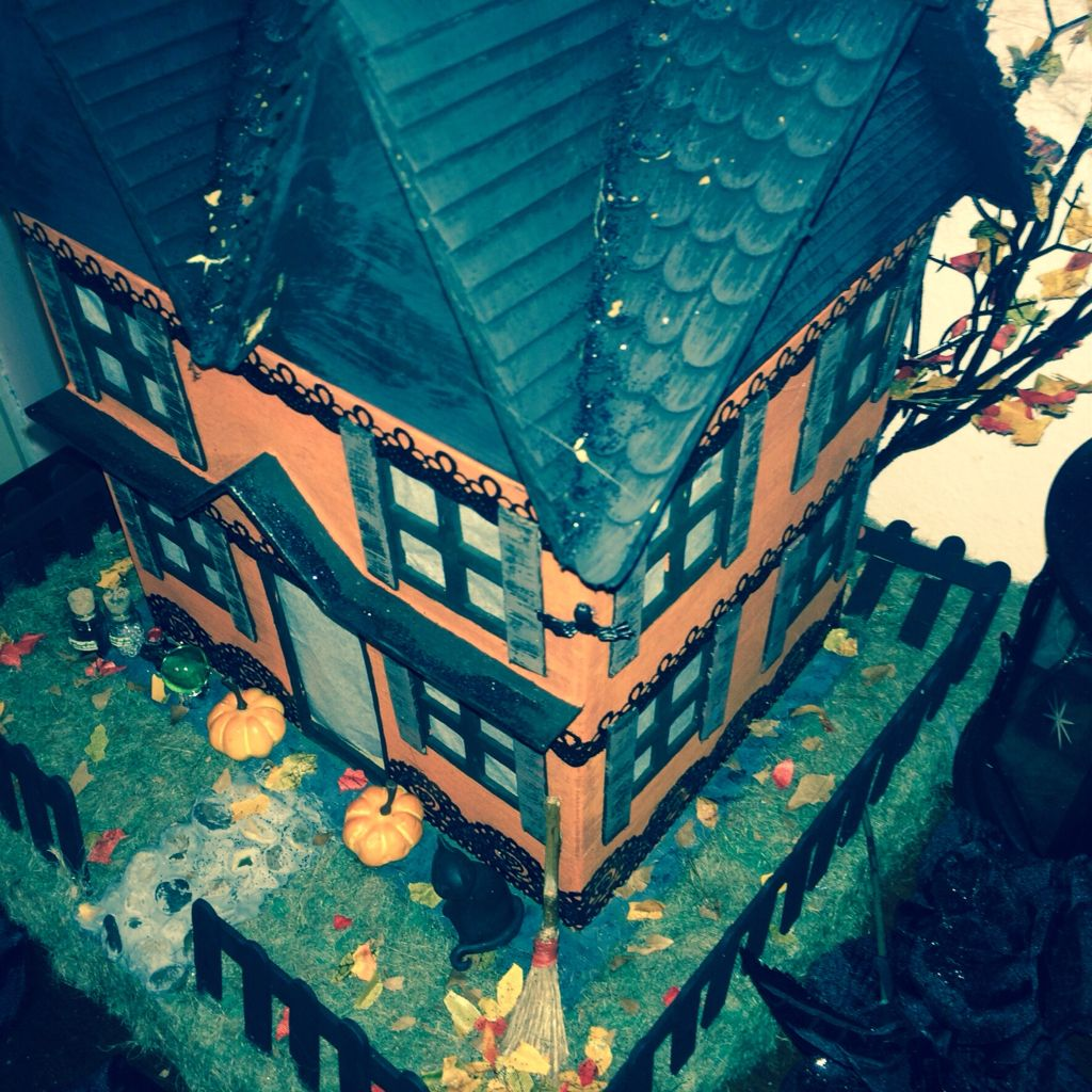 paper mache miniature witch haunted halloween house light up windows popsicle stick roof - Miniature Halloween Decorations
