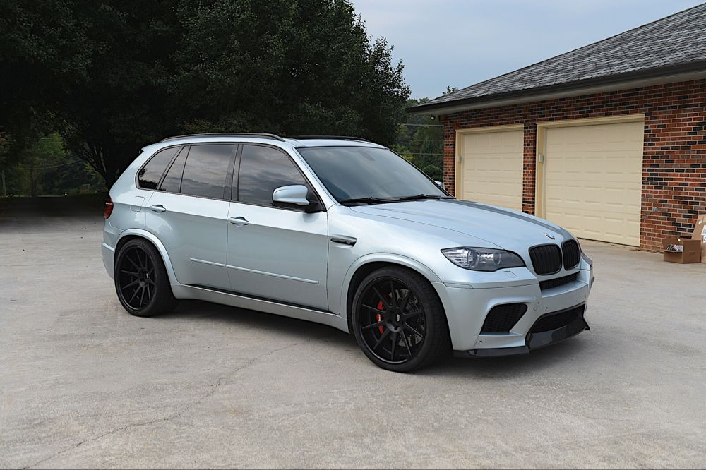 I Love The Color Of This 2011 Bmw X5m Thats Finished In Silverstone Metallic A Popular Color On Bmw Cars Bmw Bmw Sports Car Bmw Suv