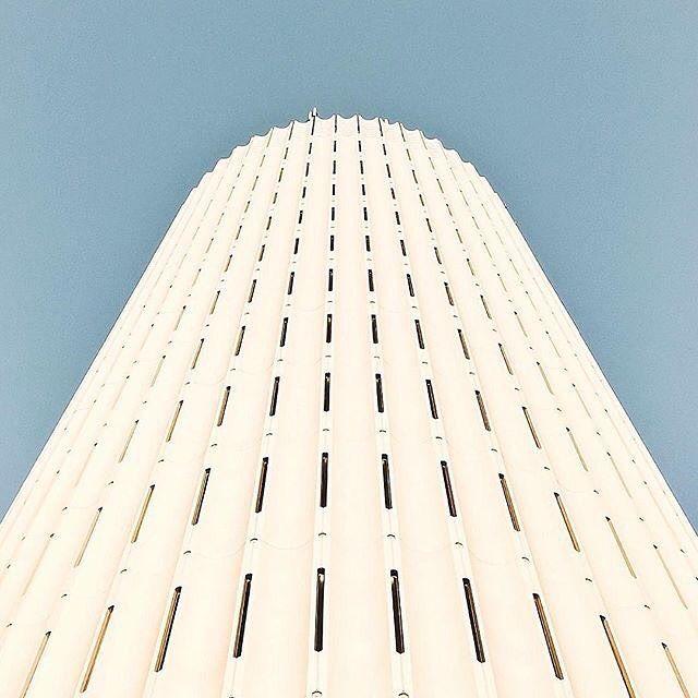 Look up     #ザ壁部 #mwjp #minimal_lookup    TokyoJapan : @maco_kirahvi