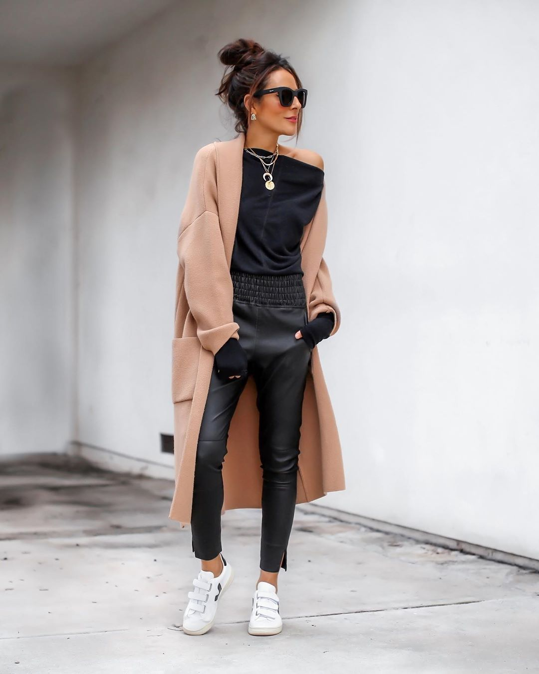 """Photo of Lucy Hernandez-Style Blogger on Instagram: """"My love for leather pants runs deep! ?⚡️ And if you've been following me for a while you've seen me style these @hilothelabel joggers…"""""""