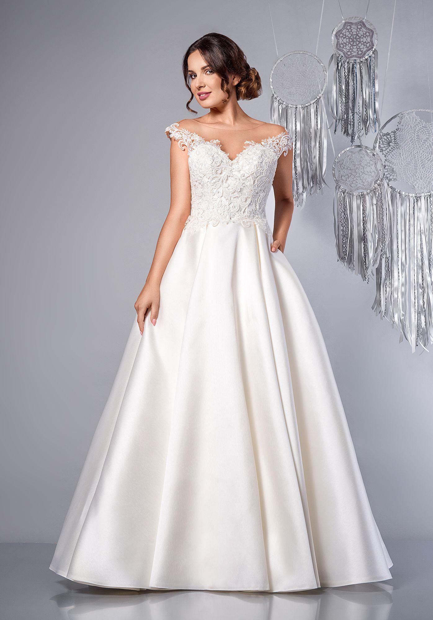 c786686879 Tessa - suknia ślubna z hiszpańskim dekoltem. Off the shoulder wedding dress.   sukniaślubna  weddingdress  weddinggown