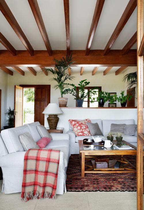 El estilo mallorqu n de su arquitectura y los materiales for Casa de campo en sevilla para alquilar