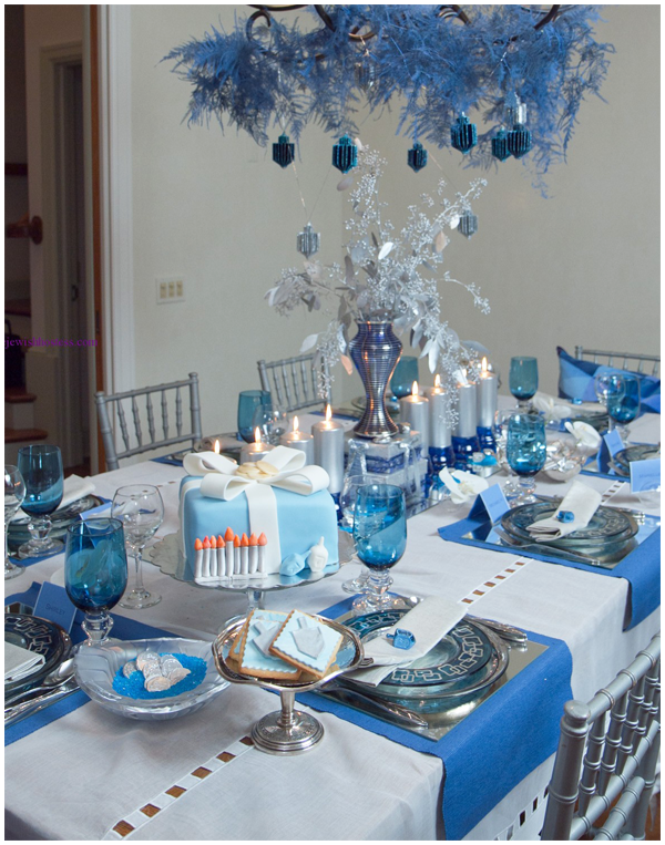 blue and silver table settings