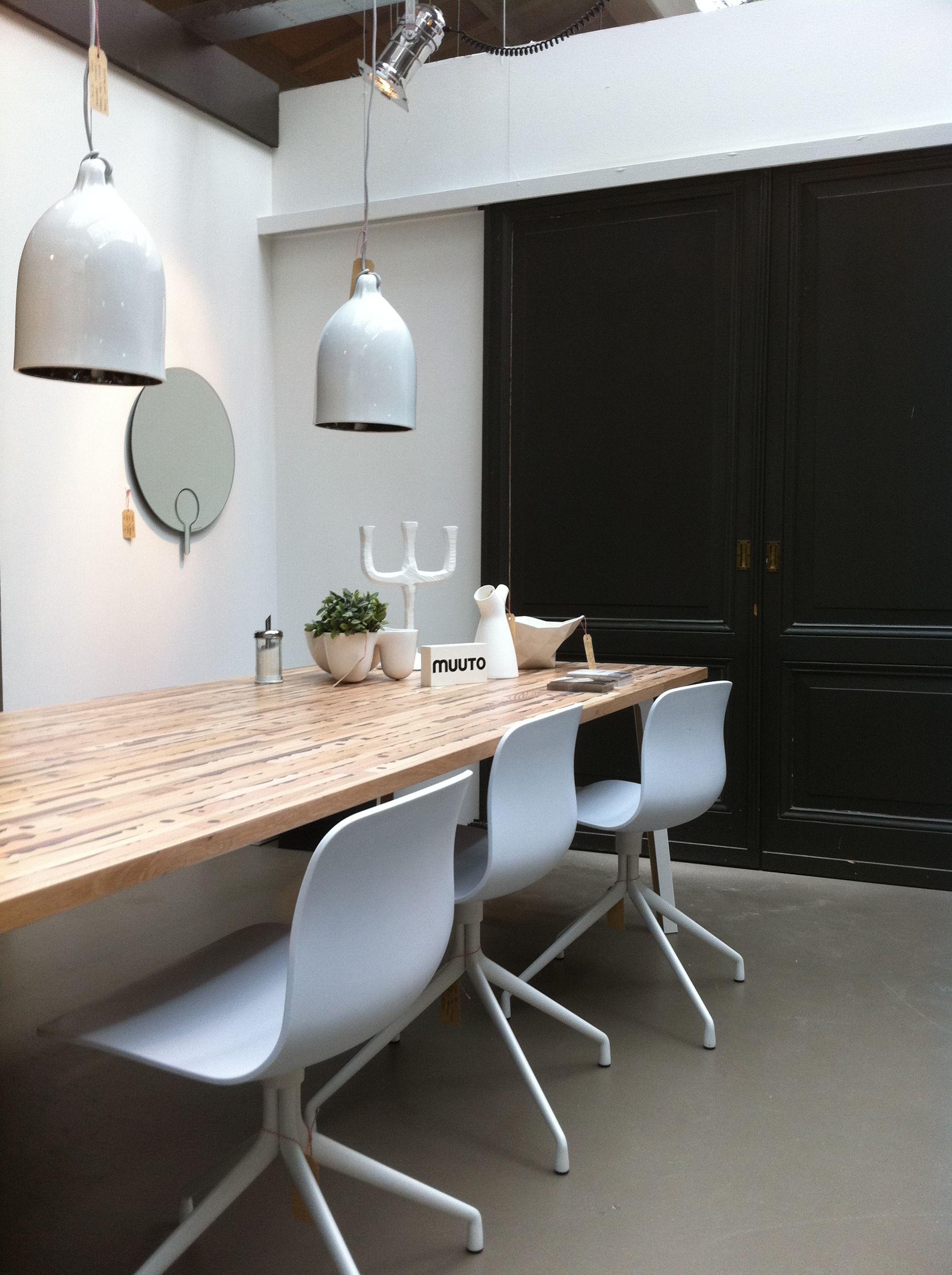 de hay stoelen in onze showroom zijn nu al het succes van 2012 een zeer betaalbare stoel die. Black Bedroom Furniture Sets. Home Design Ideas