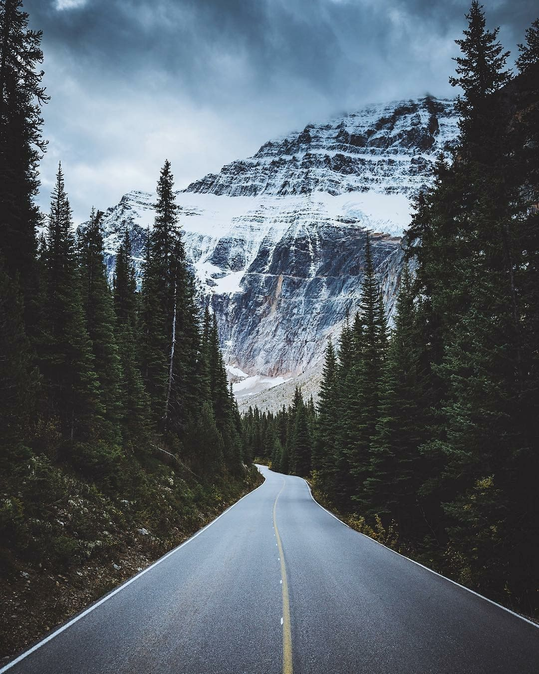 I Adore This Beautiful Mountain Landscape Photography Mountainlandscapephotography Mountain Landscape Photography Winter Landscape Landscape Photography
