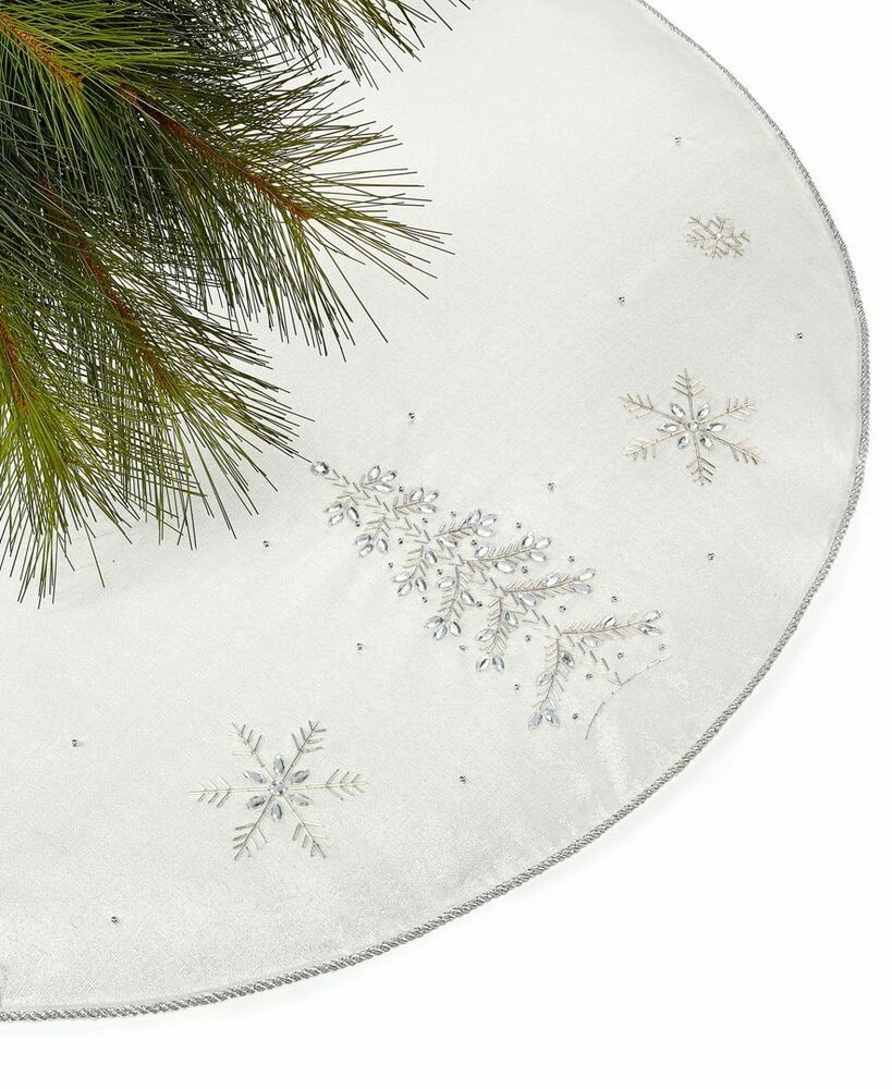 New Holiday Lane White Silver Sequin Embroidery Tree And Snowflakes Tree Skirt Holidaylane Christmas Snowflake Tree Skirt Xmas Tree Skirts Tree Skirts