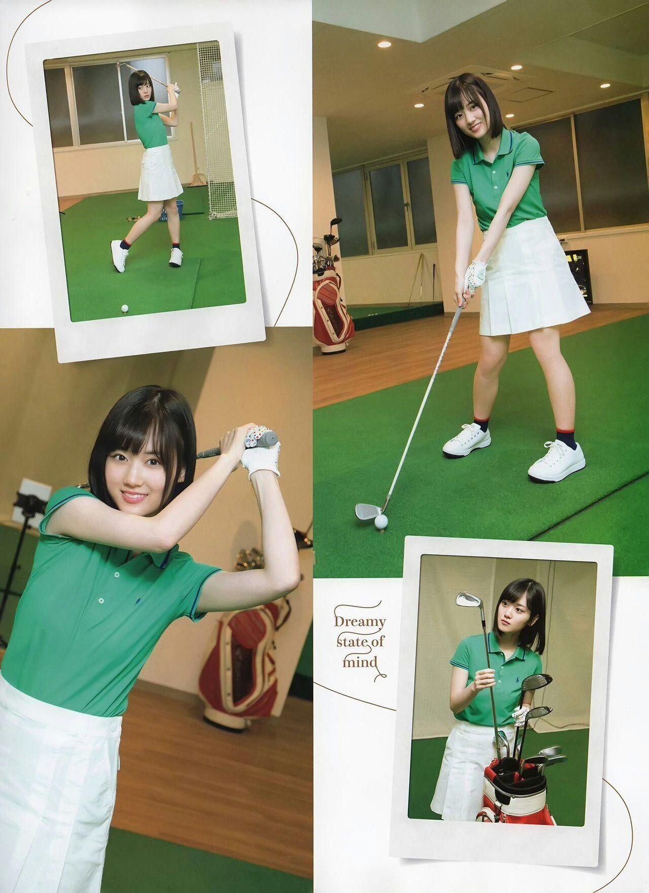 ゴルフをする山下美月