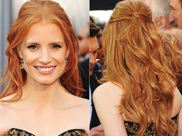Peinado novia medio recogido suelto cabello rizado peinado de