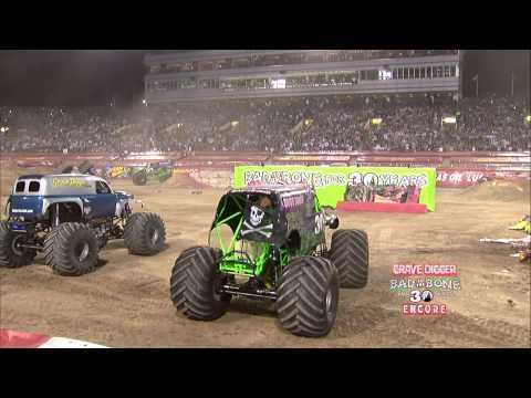 Monster Jam World Finals Xiii Encore 2012 Grave Digger 30th Anniversary Youtube Monster Trucks Monster Jam Monster Truck Videos