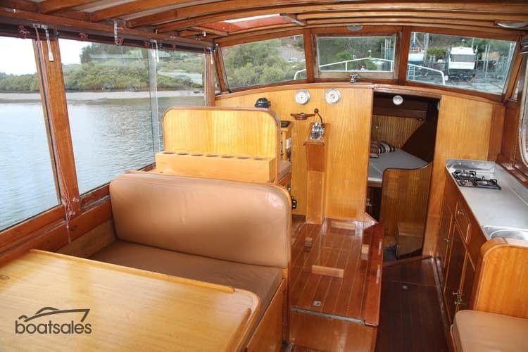 1951 Halvorsen 26 Cruiser Lodka