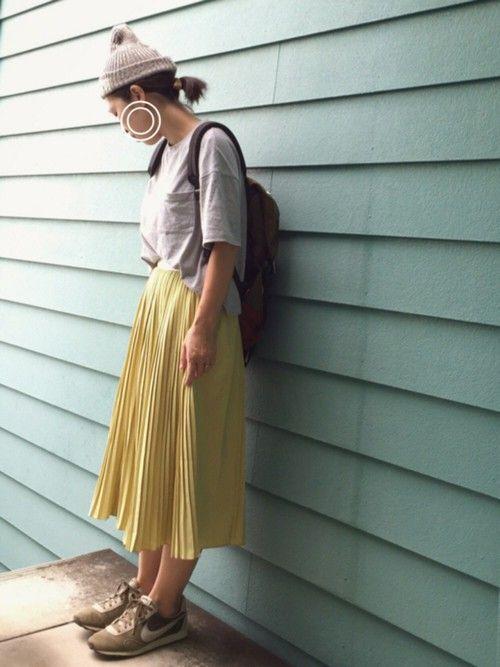 イチョウの葉っぱ色のスカートと、抹茶色のスニーカー( ᐛ✋) イチョウ並木のセレナーデ( ᐛ)